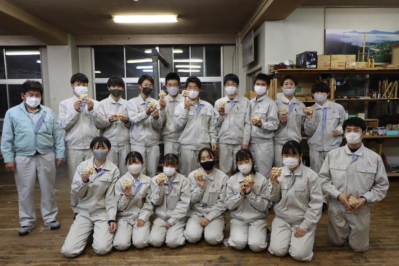 倉本さんと後半組 組木完成